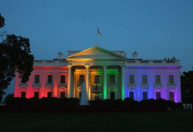 white-house-lit-up-1-1024x703